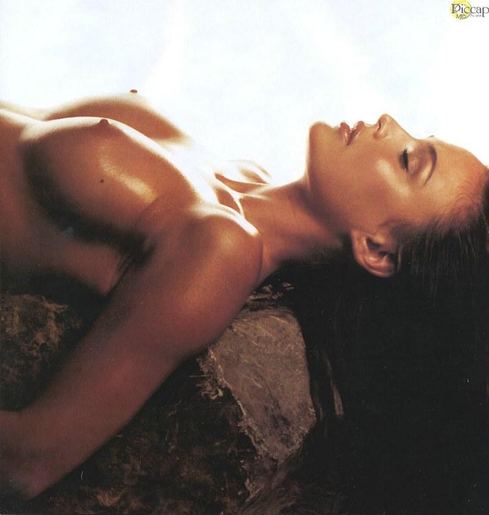 josie maran hot nude images