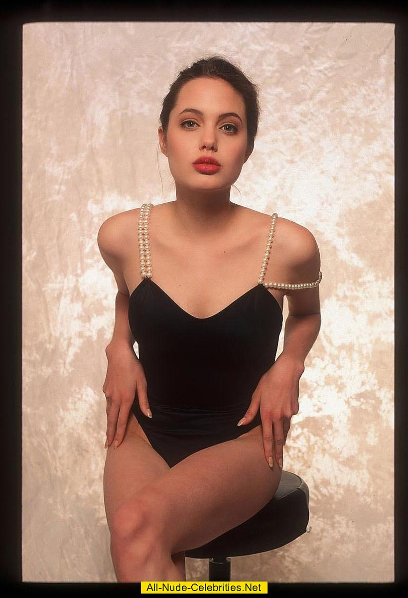 young angelina jolie sexy photoshoot