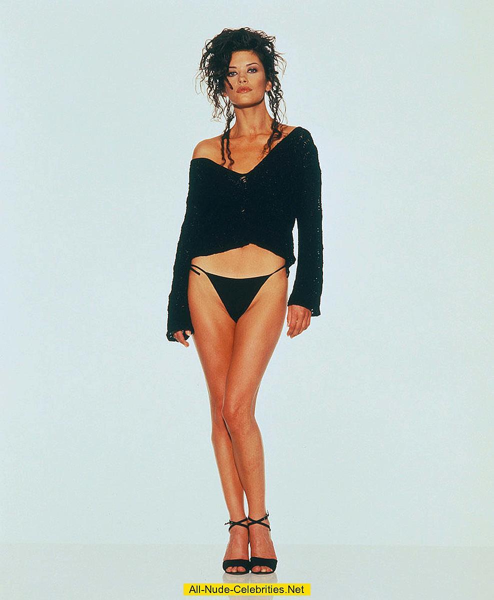 Les stars nues : Catherine Zeta Jones nue - 48 ans - 81