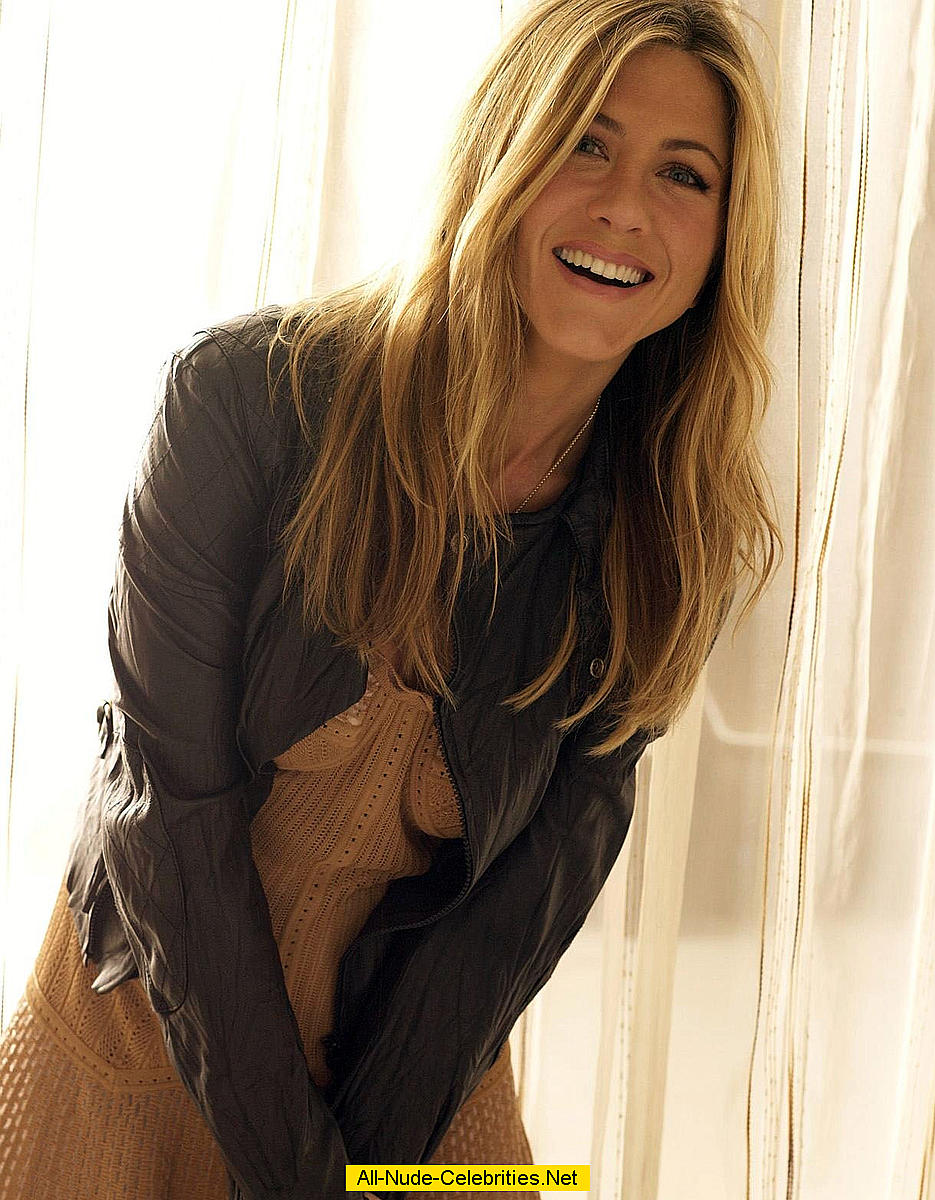 Jennifer Aniston: www.easycelebritys.com/j/jennifer_aniston_17/tc.html