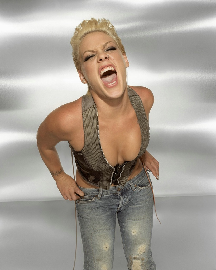 There was alecia beth moore nude шлюшка WINNING!