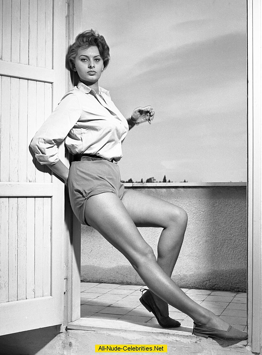 Sophia Loren Hot