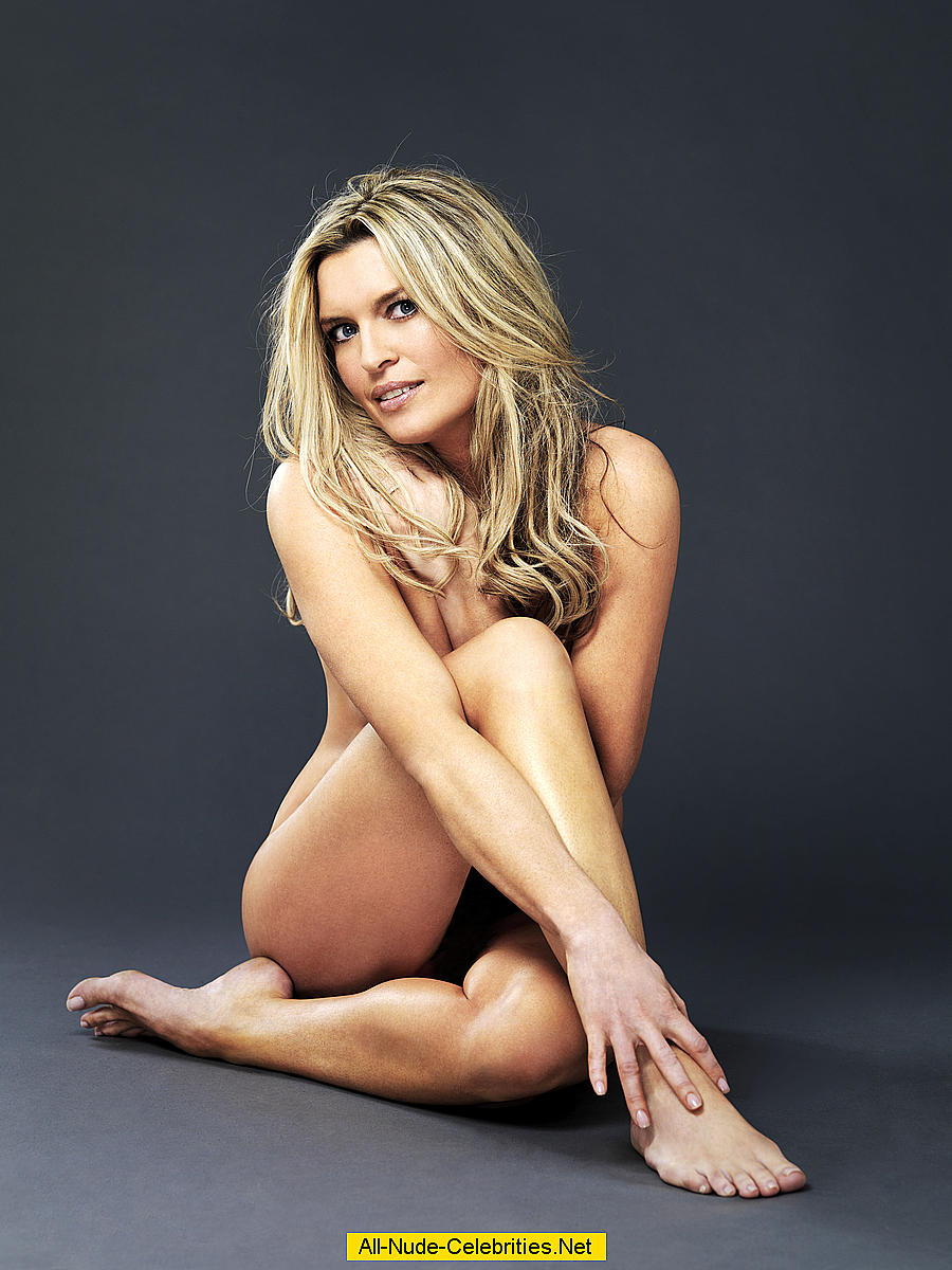 Tina Hobley sexy and undressed mag scans